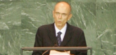 At the 60th session of the United Nations General Assembly (September 2005)