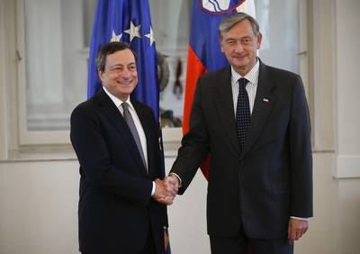 President of the Republic of Slovenia Danilo Türk welcomes President of the European Central Bank Mario Draghi (photo: Stanko Gruden/STA)